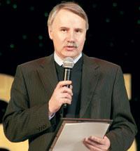 усинцев поздравляет А. Буров