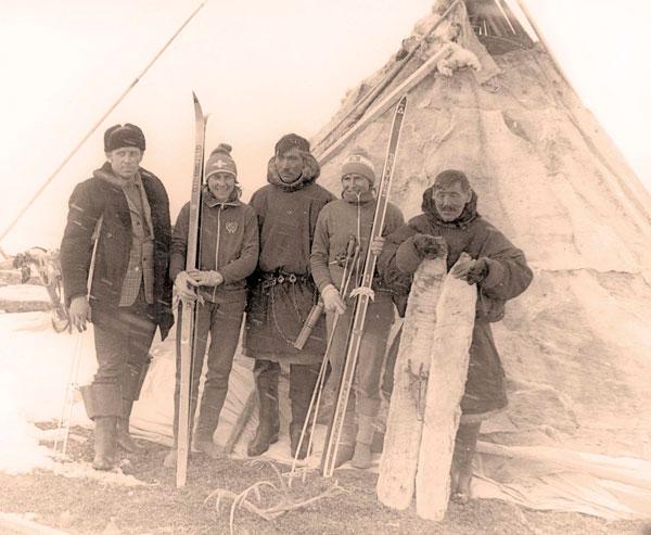 та самая фотография 1976 года (в центре – Р. Сметанина (слева) и Г. Кулакова)