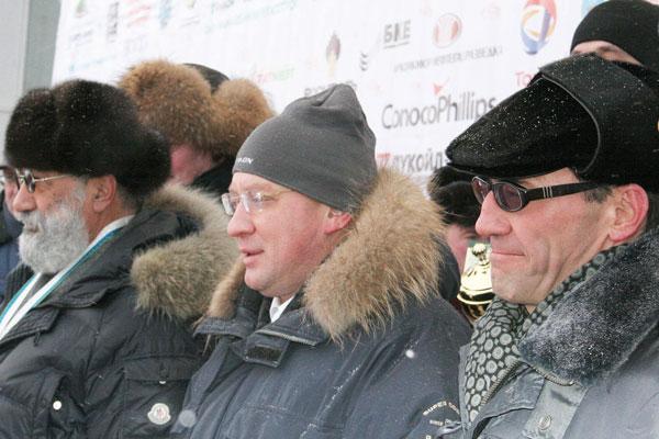 (справа налево) А.Р. Хабибуллин, глава администрации НАО И.Г. Федоров и А.Н. Чилингаров на спортивном празднике «Буран-Дей 2010» в Нарьян-Маре