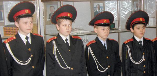 кадеты на открытии экспозиции