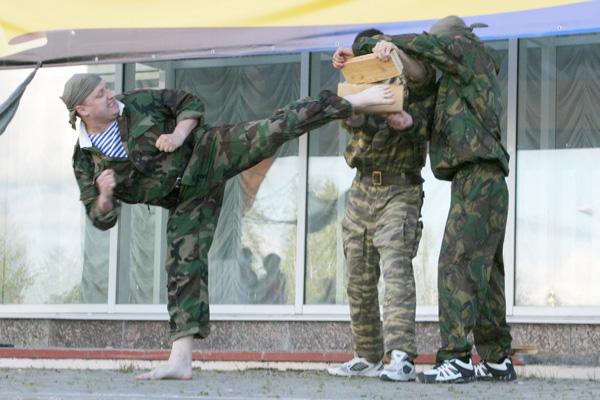 показательное выступление по рукопашному бою