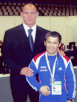 Рамиль с трехкратным олимпийским чемпионом Александром Карелиным