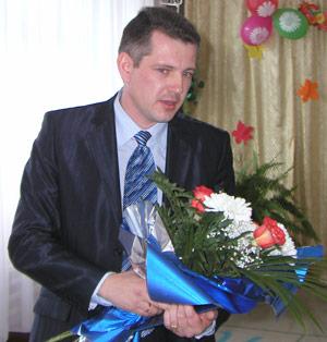 А. Короваев поздравляет учителей коррекционной школы