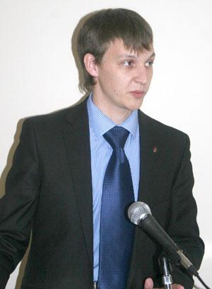 выступает А. Безумов