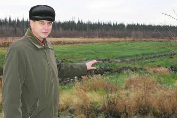 В. Иванов на фоне восстановленных земель