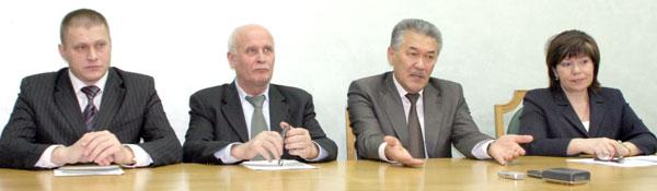 (слева направо) С. Санюкович, В. Крайнов, А. Тян, Т. Николаева