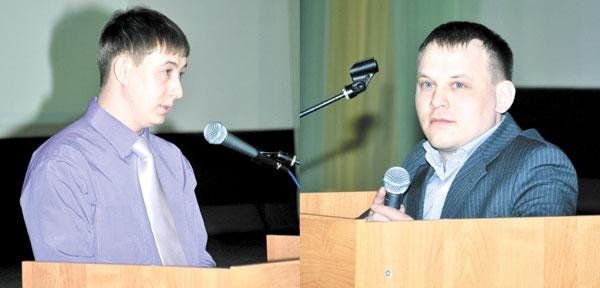 Р. Сафин и Р. Нигаматьянов (слева направо) во время выборов депутатов парламента