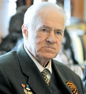 Труженик тыла Н. В. Лисовенко задумался о военных годах