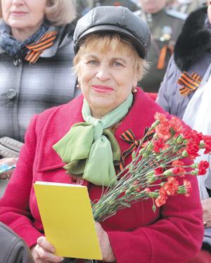 Т. О. Дмитриева на праздничном митинге