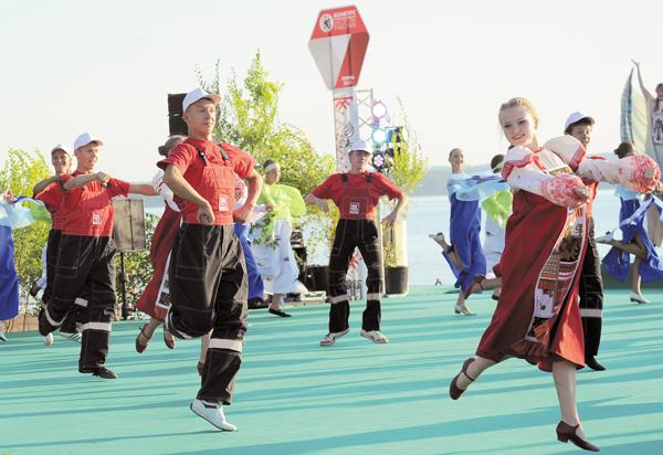 Во время церемонии открытия конкурса