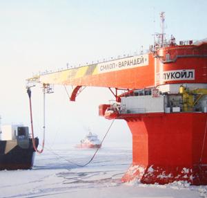 отгрузка нефти с уникального ледостойкого причала Варандейского терминала