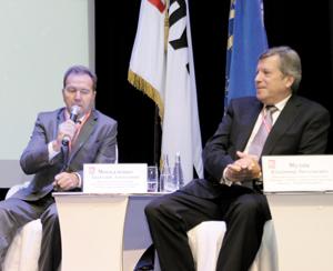 А. Москаленко (слева) и В. Муляк
