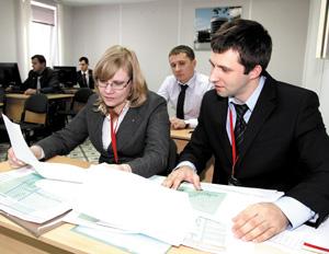Рабочий момент инженеров усинского ТПП