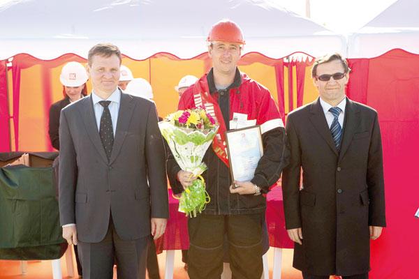 А. Хабибуллин, А. Белых и директор южного ТПП Д. Астафьев