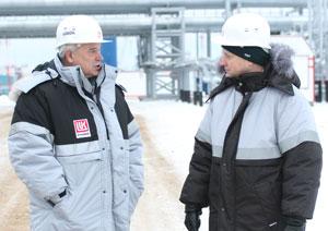 В. Алекперов (слева) и А. Пивоваров