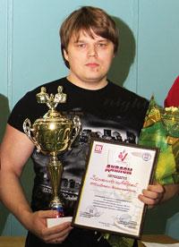 А. Зоненко – победитель соревнований по армрестлингу в самой престижной весовой категории