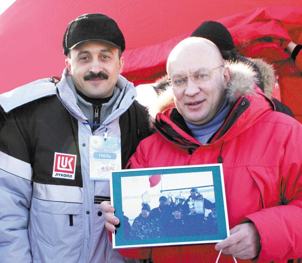 И. Федоров (справа) и М. Бондаренко