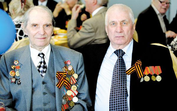 М. Потапчук (слева) и Е. Никаноров