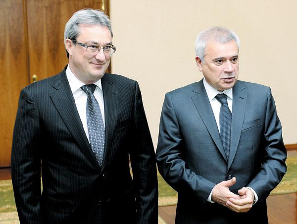 В. Алекперов (справа) и В. Гайзер