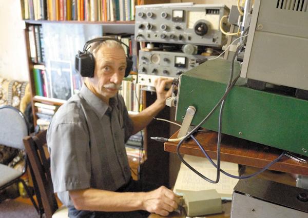 Радиолюбитель И. Дроздов