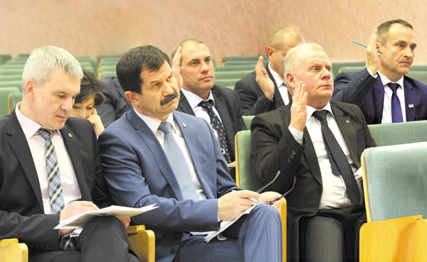 (слева направо) Е. Видюков, С. Хахалкин, депутаты Н. Кулябов, А. Баранов, Г. Хохлов