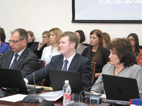 На первой сессии окружного Собрания депутатов НАО