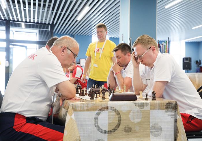 Собранно и вдумчиво свои партии отыграли гроссмейстеры