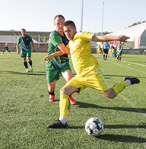 Во время игр по мини-футболу наплощадке царили олимпийские страсти