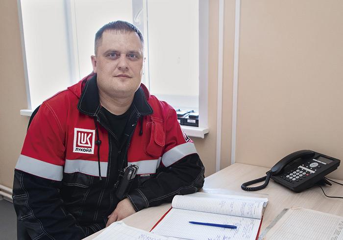 Слесарь по ремонту технологических установок Евгений Брытков