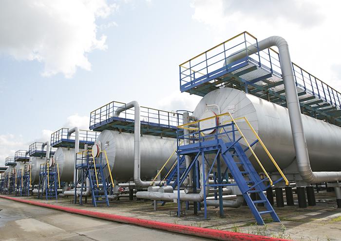 Нефтегазовые сепараторы сосбросом воды (НГСВ)